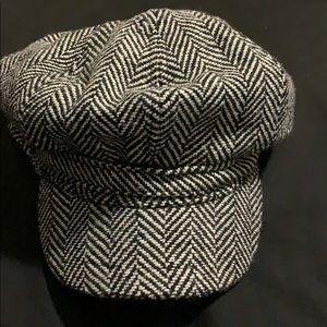 Black & white paperboy hat